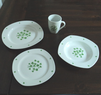 Shamrock Porcelain Dinnerware Set- 16-Piece