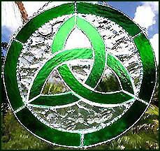 Trinity Knot Design Stained Glass Suncatcher