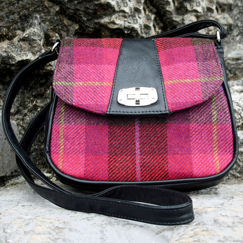 Dark Pink Red Plaid Sarah Pocketbook – Mucros Weavers Ireland