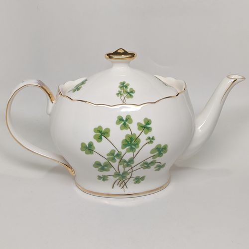 Ivory Gold Trim Scalloped Edge Shamrock Tea Pot