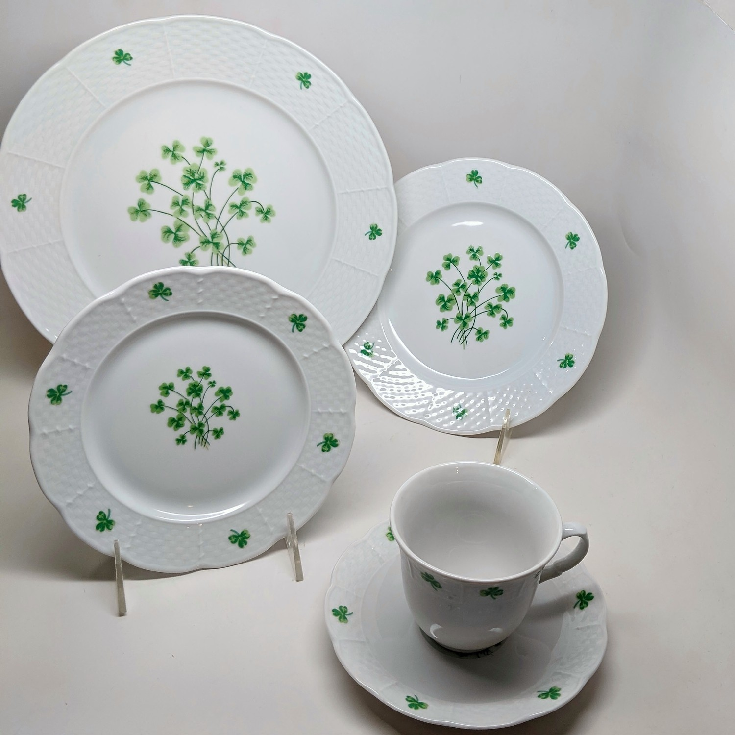 shamrock-5-piece-place-setting